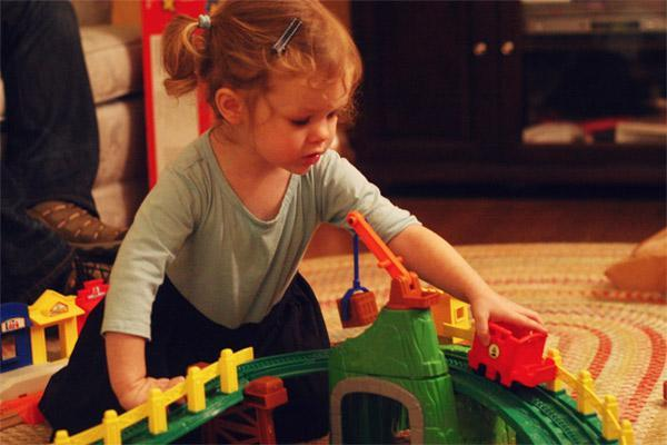 Kız Bebekler İçin Oyuncaklar